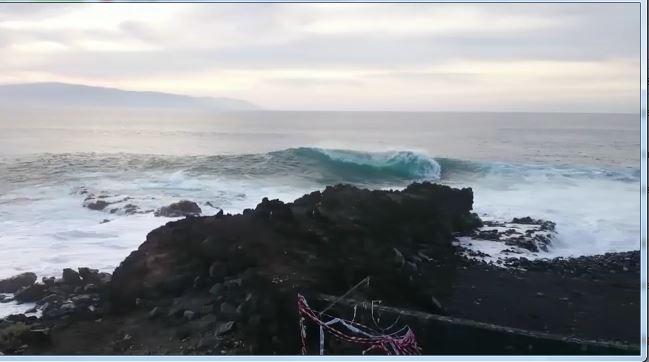 Video playa amata dai surfisti in zona alcal guia de isora tenerife sud vivilecanarie - Canarie a dicembre si fa il bagno ...